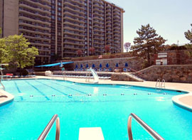 towers-at-waters-edge-swimming-pool